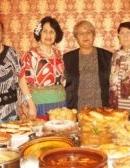 С топлината и щедростта на ромската кухня