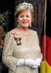 000-HM Queen Angela
