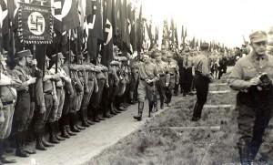 000-Hitler-SS